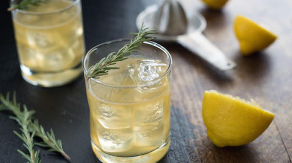 Lemon-Rosemary-Bourbon-Sour-2-700X467-600x335